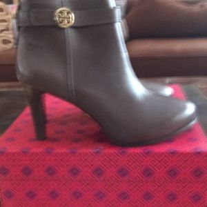 Tory Burch Calf -Leather Boots